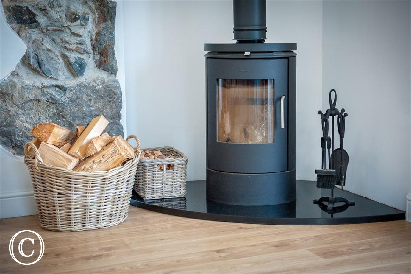 JENNYS - Log Burner