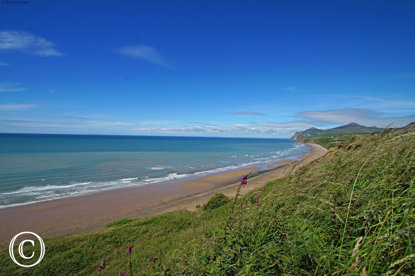 The long sandy beach of Porth Nefyn - a short walk from your cottage
