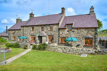 Meillionen Fach is one of two holiday cottages in this peaceful setting on the western point of the Llyn Peninsula.